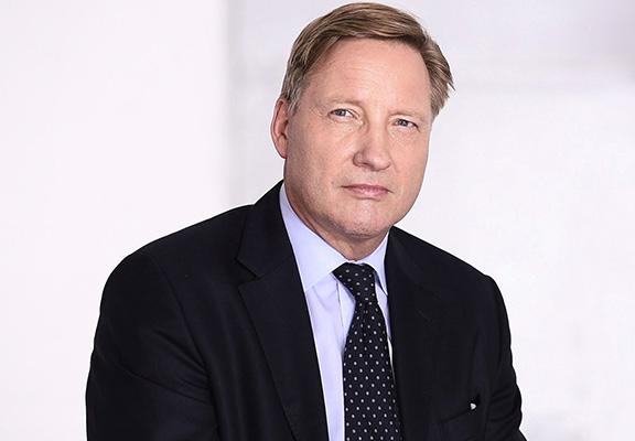 Portrait Prof. Dr. Stefan Sack