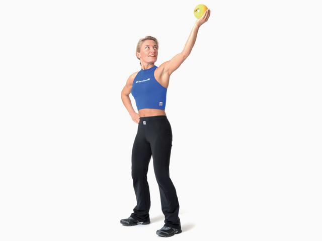 Frau in Endstellung der Übung Diva für den TheraBand Soft Weights
